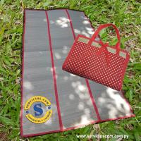 Lleva tu esterilla y protégete de la arena Esterilla grande plegable de playa,se enrrolla fácilmente en forma de bolso, perfecta para tomar sol