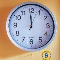 Reloj de Pared borde Plateado