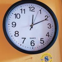Reloj de Pared borde Negro