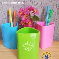 Porta Lápiz de Escritorio Material Acrílico, colores variados, diseño dinámico. Consultas al whatsApp 0982-950800