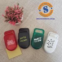 Manito Clip Sujetapapeles clip sujetapapeles con portabolígrafo, área de impresión para promocionar tu marca, disponemos varios colores. Consultas al WhatsApp 0982-950800