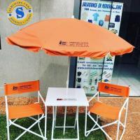 Juego de Sillas Mesa y Sombrilla Kit mesa y sillas desmontables estructura de metal sombrilla con impresión personalizada especial para tus promociones o eventos al aire libre. Consultas al whatsApp (0982)950800