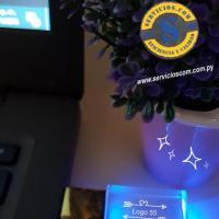 Pendrive Acrílico  Pendrive Acrílico con luz led al conectar. Consultas al WhatsApp (0982)950800